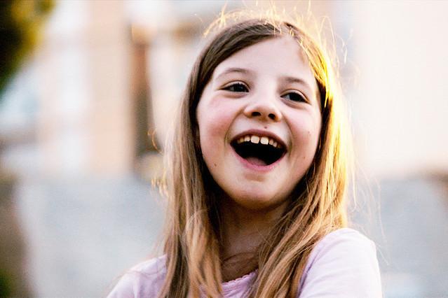 映画子どもが教えてくれたこと写真 笑顔の女の子