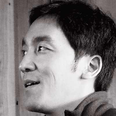 映像作家宍戸大裕氏のポートレート写真
