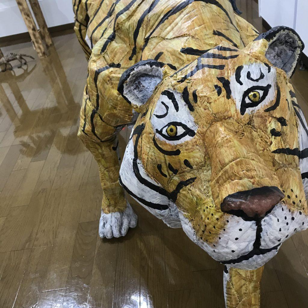 ダンボール彫刻展の虎